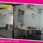 Allestimento uffici Open Space con PVC sabbiato.
